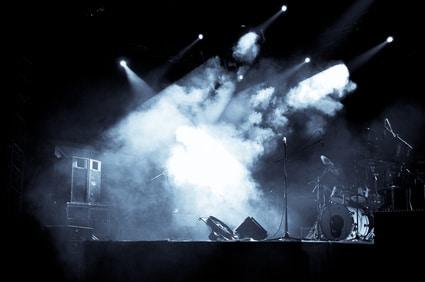 Nebelmaschine kaufen - Bühne im Nebel