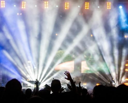 nebelmaschine-kaufen-concert-buehne